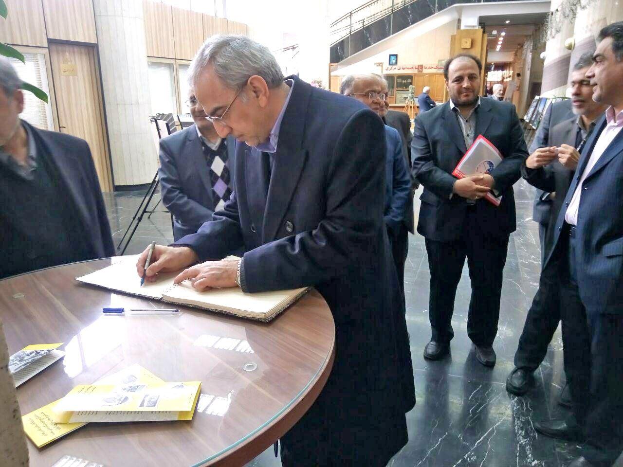 مهندس بیطرف از زحمات مسئولان موزه نفت قدردانی کرد